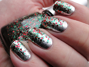 sparkly-holiday-nails
